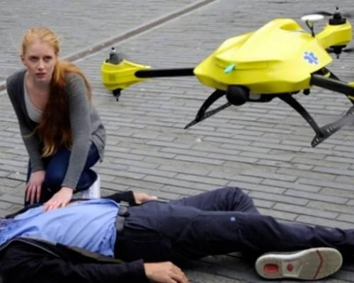 Els drones equipats amb un desfibril·lador, una opció per tractar l'aturada cardíaca
